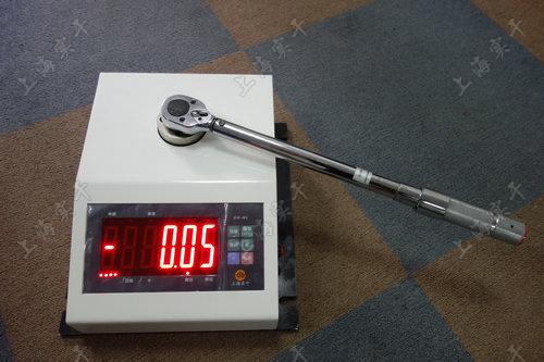 便攜式定扭扳手測試設備圖片